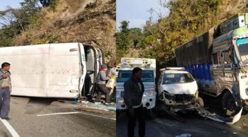 उत्तराखंड के बीमताल-हल्द्वानी मोटर मार्ग पर शुक्रवार सुबह एक साथ कई वाहन आपस में टकरा गए।
