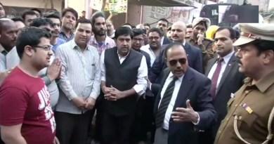 दिल्ली में नागरिकता संशोधन कानून को लेकर रविवार को शुरू हुई दो गुटों में झड़प ने 3 दिन के भीतर पूरी राजधानी को झुलसा दिया।