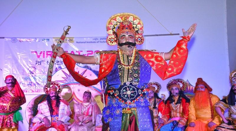 उत्तराखंड में सांस्कृतिक कार्यक्रमों का विशेष महत्व है। ऐसे कार्यक्रमों में अपनी संस्कृति के बार में बहुत कुछ सीखने को मिलता है।