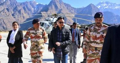 केंद्रीय युवा और खेल राज्य मंत्री किरण रिजिजू शुक्रवार को उत्तराखंड हिमक्रीड़ा स्थल औली के तीन दिवसीय दौरे पर पहुंचे।