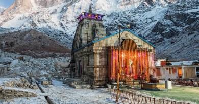 कोरोना संकट की वजह से उत्तराखंड में सदियों पुरानी परंपरा को बदलनी पड़ी है। केदारनाथ और बदरीनाथ धाम के कपाट खुलने की तारीख बदल दी गई है।