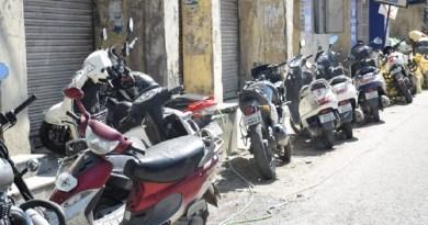 उत्तराखंड के अलमोड़ा की आबादी दिन प्रति दिन बढ़ती जा रही है। इसके साथी नगर में यातायात भी बढ़ बढ़ता जा रहा है।