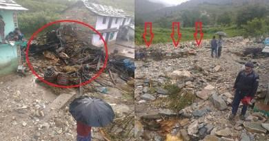 उत्तराखंड में आसामान से आफत बरस रही है। बीते कुछ दिनों में राज्य के कई जिलों से बादल फटने की खबर आ रही है। एक बार फिर चमोली में बदल फटने से तबाही मची है।