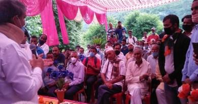 उत्तराखंड के पूर्व सीएम हरीश रावत ने प्रदेश की बीजेपी सरकार पर हमला बोला है। उन्होंने आरोप लगाया कि पिछले तीन सालों में सरकार ने कोई काम नहीं किया और पिछली सरकार ने जिन विकास के कार्यों को स्वीकृति दी थी, उसे भी रोका जा रहा है।