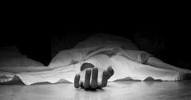 चंपावत दिवाली से ठीक पहले भीषण सड़क हादसा हुआ है, जिसमें दो लोगों की दर्दनाक मौत हो गई और एक शख्स घायल हो गया।