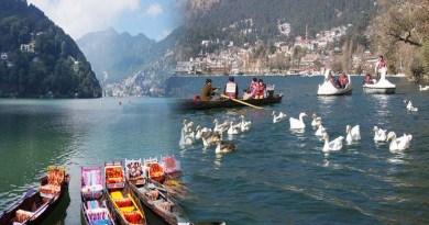 उत्तराखंड: 5 महीने बाद विरान नैनीताल में दिखी रौनक, नैनी झील में सैलानियों ने नौका विहार का लिया आनंद