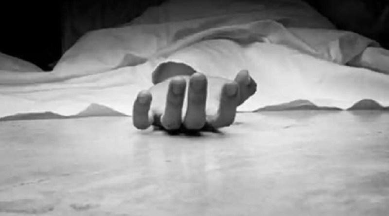 चंपावत के बाराकोट में एक महिला ने जहर खाकर खुदकुशी कर ली है। महिला द्वारा जहर खाने पर उसके परिजन लोहाघाट अस्पताल लेकर पहुंचे थे।