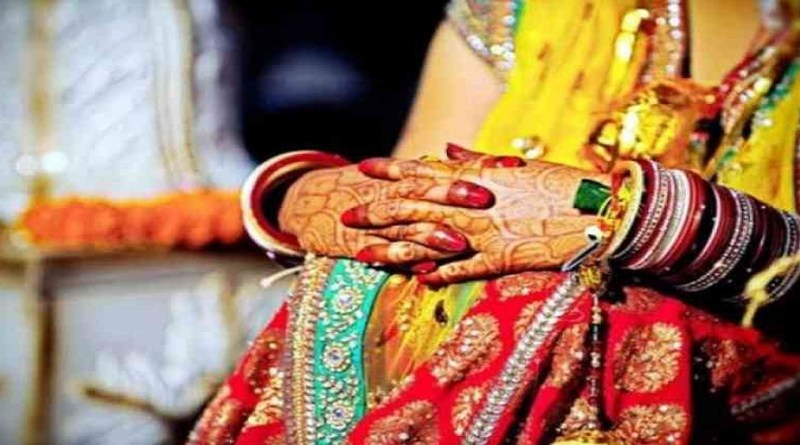 उत्तरकाशी के मथाली गांव में 24 साल की विवाहिता की संदिग्ध हालत में मौत हो गई है। मृतका के ससुरालवालों पर हत्या का आरोप लगा है।