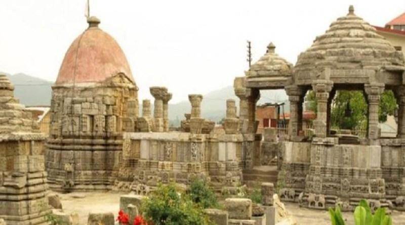 उत्तराखंड के हर जिले की अपनी खासियत और एक अलग पहचान है। चंपावत जिले उन्हीं में से एक है। ये महाभारतकालीन धार्मिक स्थलों और कत्यूरी-चंद शासकों के बनाए मंदिर, धर्मशाला, सराय, नौले और बिरखम जैसे अनगिनत सांस्कृतिक और ऐतिहासिक धार्मिक धरोहरो की पूंजी को समेटे हुए है।