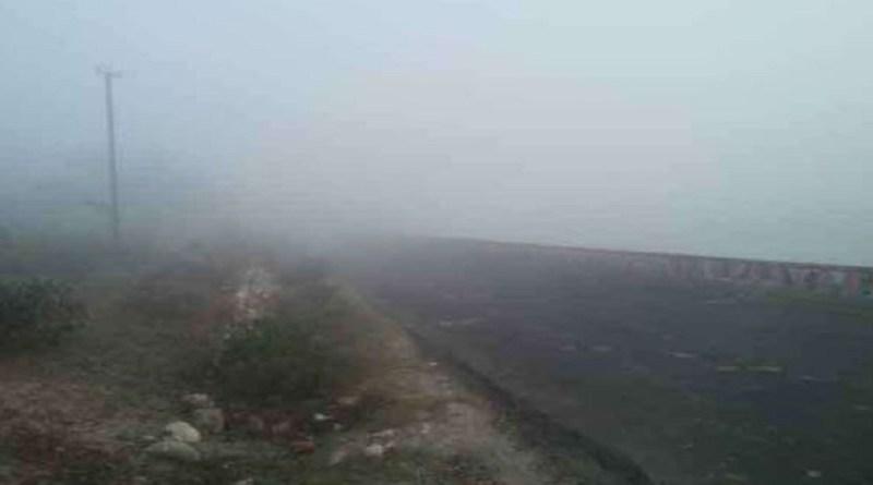 उत्तर भारत में ठंड ने दस्तक दे दी है। दिन में भले ही गर्मी का एहसास हो, लेकिन रात के वक्त हल्की ठंड होने लगी है।