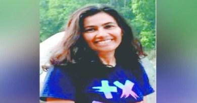 उत्तराखंड की बेटी सृष्टि लखेड़ा ने पहाड़ का नाम रोशन किया है। सृष्टि की फिल्म 'वंस अपॉन ए विलेज' ने मुंबई एकेडमी ऑफ मूविंग इमेज फिल्म महोत्सव के इंडिया गोल्ड श्रेणी में जगह बनाई है।
