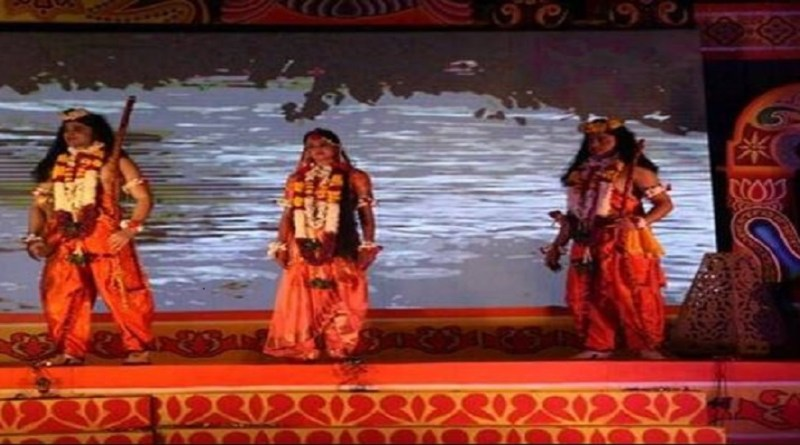 पिथौरागढ़ में कोरोना को देखते हुए इस बार रामलीला का प्रसारण ऑनलाइन करने का फैसला किया गया है।