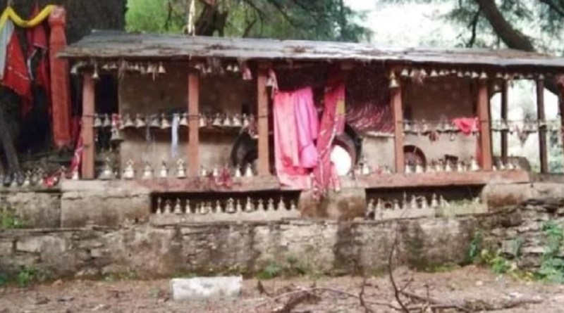 हिमालय की गोद में बसा है चमोली जिला। इसका भी अपना धार्मिक महत्व है। जिले के देवाल ब्लाक में 8 हजार फीट की ऊंचाई में बसा बेहद खूबसूरत हिमालय का आखिरी गांव वाण।