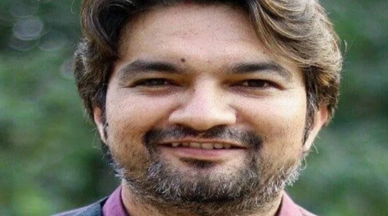 चंपावत के पाटी विवेकानंद विद्या मंदिर और लोहाघाट पीजी कॉलेज से पढ़े डॉ. अभिषेक बोहरा ने पूरी दुनिया में उत्तराखंड का नाम रोशन किया है।