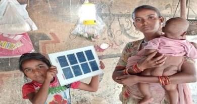 हलद्वानी में गरीब परिवारों को दिवाली का तोहफा मिलने वाले हैं। जिनके घर में आज भी बिजली नहीं है। गरीबों को 5 रुपये में भरपेट खाना मुहैय्या कराने वाली टीम थाल सेवा इस बार दीवाली पर एक और उपलब्धि हासिल करने जा रही है।
