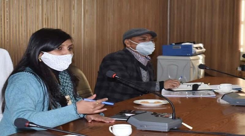 चमोली की डीएम स्वाति एस भदौरिया ने शनिवार को अहम बैठक ली। इस बैठक में बायो मेडिकल कचरा प्रबंधन के लिए प्रभावी व्यवस्था बनाने को लेकर इस बैठक में चर्चा हुई।