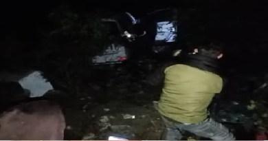 देहरादून: आशारोड़ी के पास अनियंत्रित होकर गहरी खाई में गिरी कार, मच गई चीख पुकार