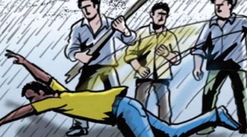 देहरादून मेंं कुछ बदमाशों ने बीजेपी मंडल अध्यक्ष संदी मुखर्जी की पिटाई कर दी। उन्हें गंभीर हालत में अस्पताल में भर्ती कराना पड़ा है।