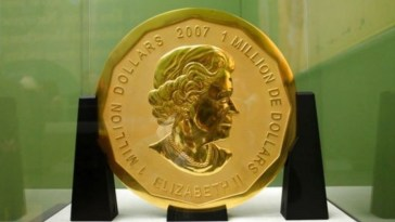 Massive 100-kilogram Gold Coin