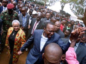 Kenyan Leaders Queuing To Vote