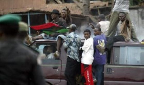 [Video] Nigerian Army Releases Footage Of Biafra Supporters Launching Attack On Soldiers