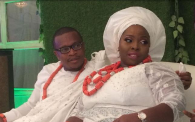 Watch Plus-Sized Bride Digging It Out With Her Hubby On The Dance Floor At Traditional Weding