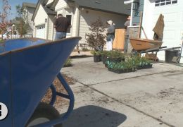 Coffey Neighbors Get Help in Resilient Landscaping