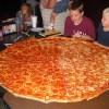 ワイデブ、ひとりでピザハットのLサイズ7枚をペロリwwwwwww