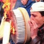 初めてタバコを吸いました・・・