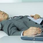 【朗報】業務中の仮眠は労働時間に入る! 理由→拘束時間だから。 他にも横展できるんじゃね?
