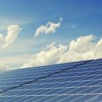 太陽光発電の関連企業、買い取り価格引き下げで次々と倒産か…「もはや経営が成り立たない」
