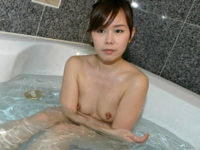 北坂奏愛-長乳首-デカ乳首-01