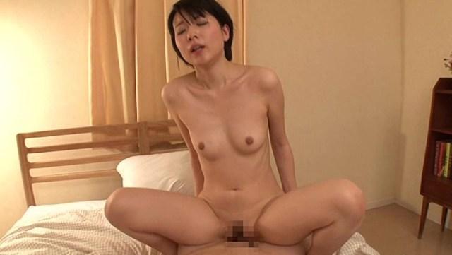 櫻井菜々子 美貧乳の綺麗な長乳首