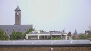 dak cgu met zonnepanelen