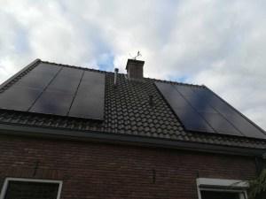 Tussen dakpan en zonnepaneel