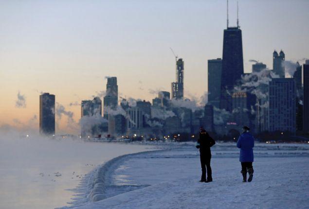 Η χιονόπτωση και ο πάγος προκάλεσαν επικίνδυνες συνθήκες στο οδικό δίκτυο/φωτογραφία: AP