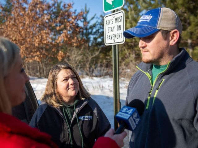 PHOTO: Peter and Kristin Kasinkas speak to the press on Jan. 11, 2019 in Gordon, Wis., one day after missing teenager Jayme Closs escaped captivity.