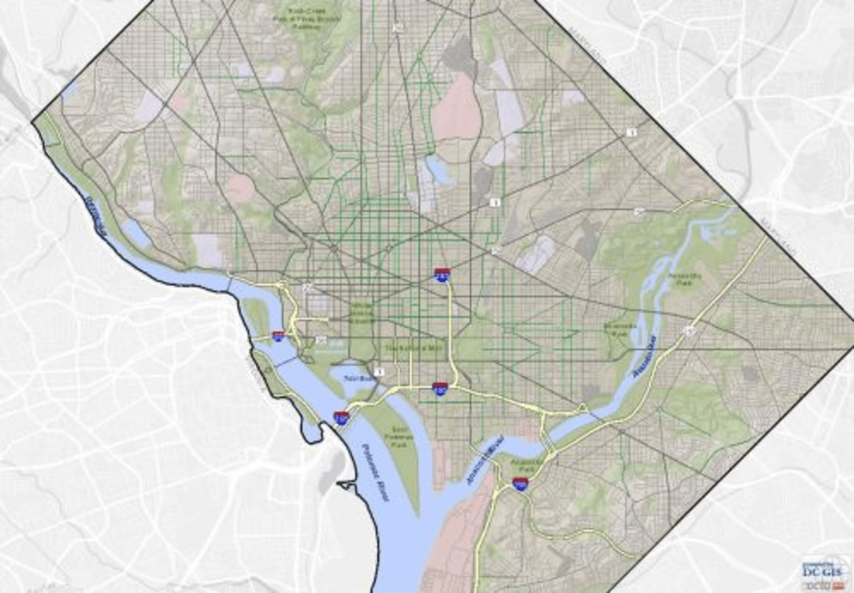 A map of D.C.'s bike lanes (in green)