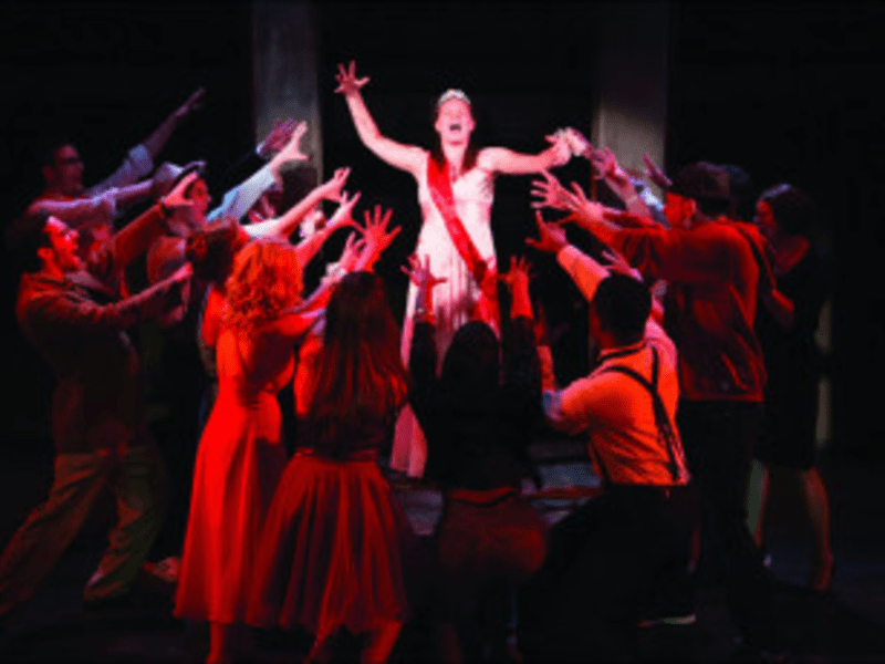 Prom de Guerve: Carrie goes batshit at the dance.
