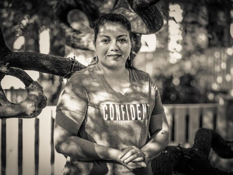 A woman named Aydee who prepares pupusas