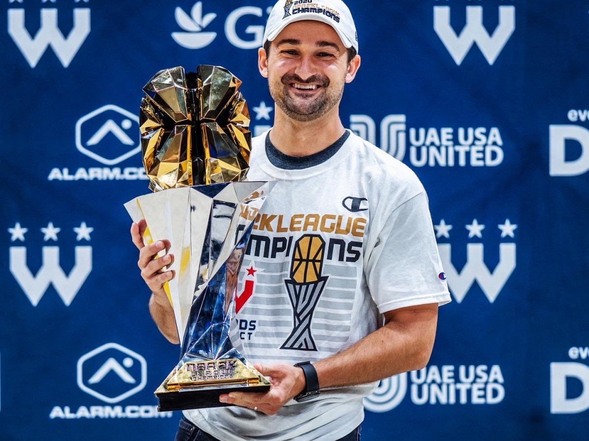 Zach Leonsis celebrates Wizards District Gaming's NBA 2K League championship