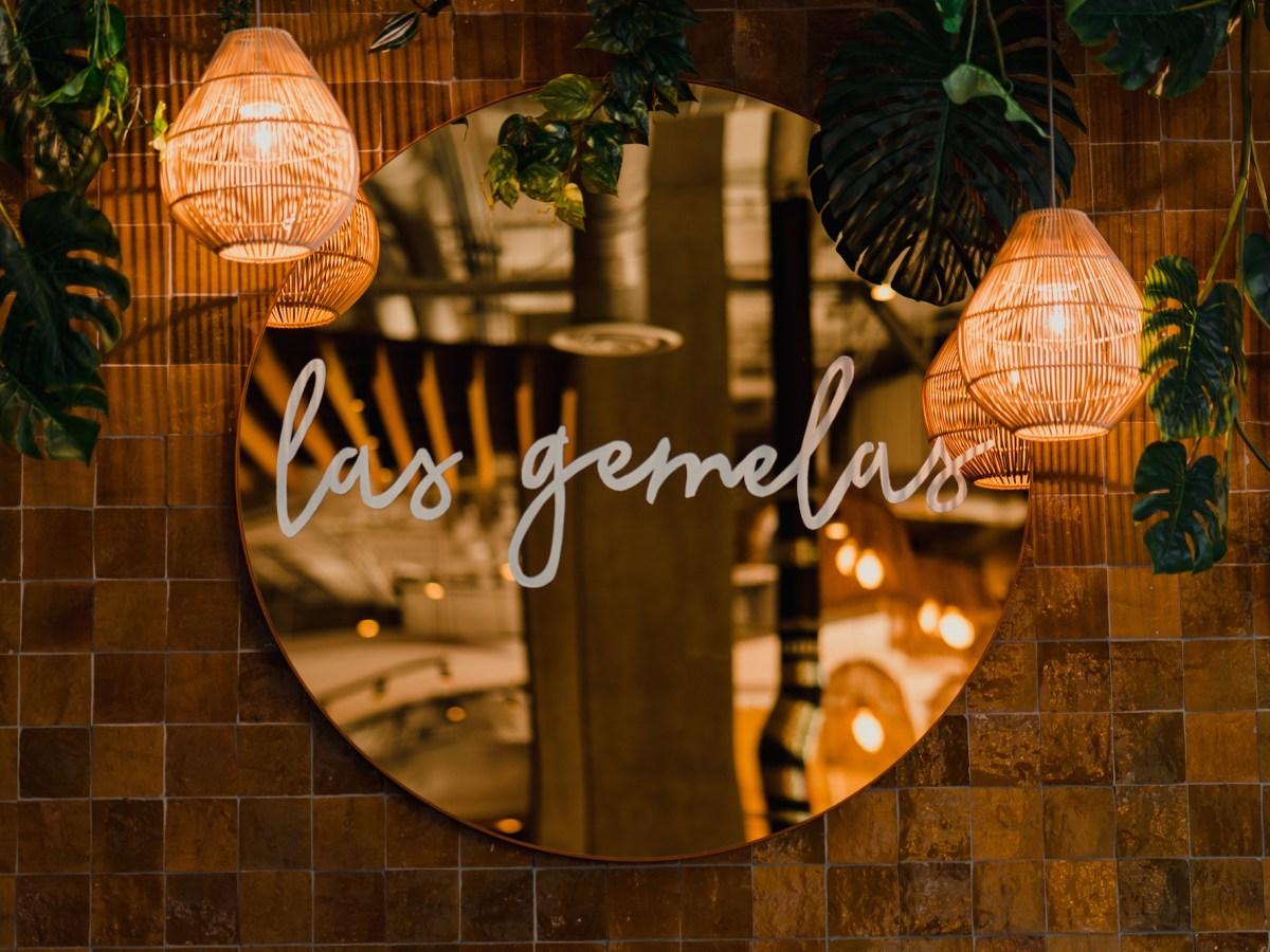 Las Gemelas sign