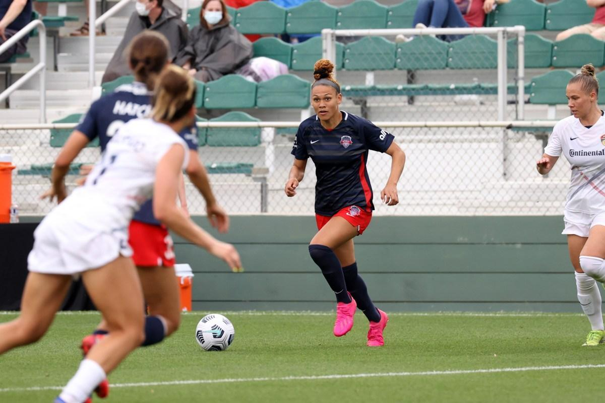 Spirit rookie Trinity Rodman playing against the North Carolina Courage