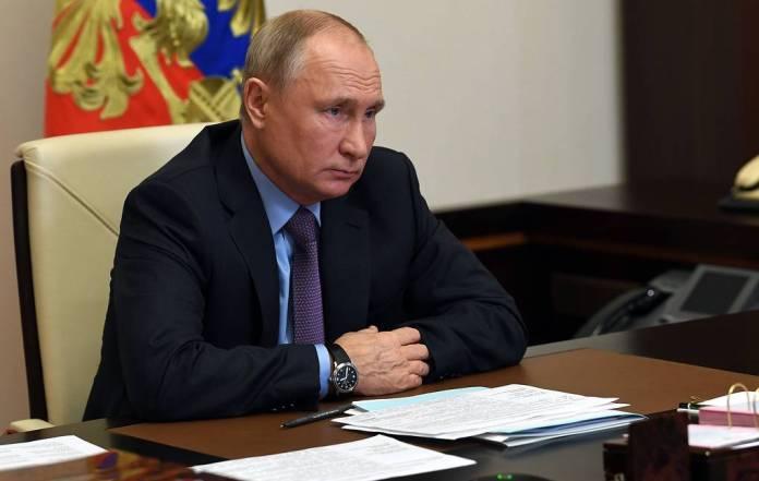 Путин связал рост цен на продукты в РФ с попыткой подогнать внутренние цены под мировые