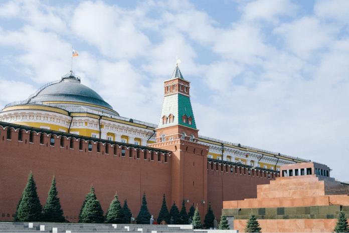 Кремле ответилна требование Чехии вернуть высланных дипломатов:с Россией бесперспективно говорить в стилистике требований