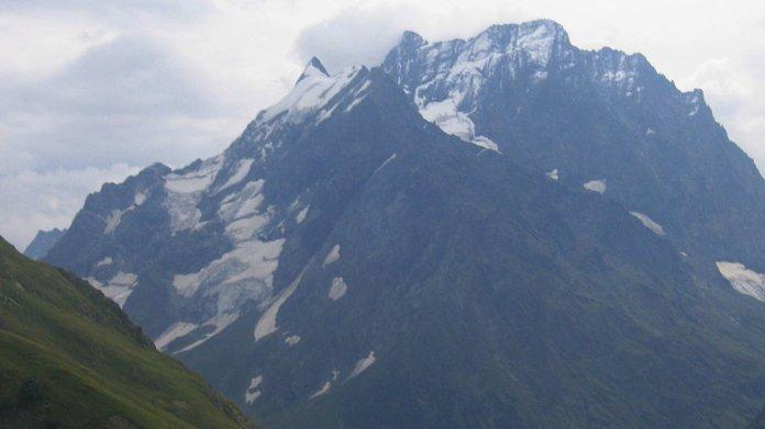 Найти седьмого туриста из России в горах Абхазии не удалось