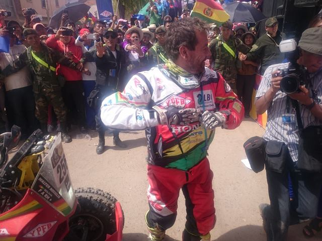 Nosiglia ganha a etapa e faz história no Dakar