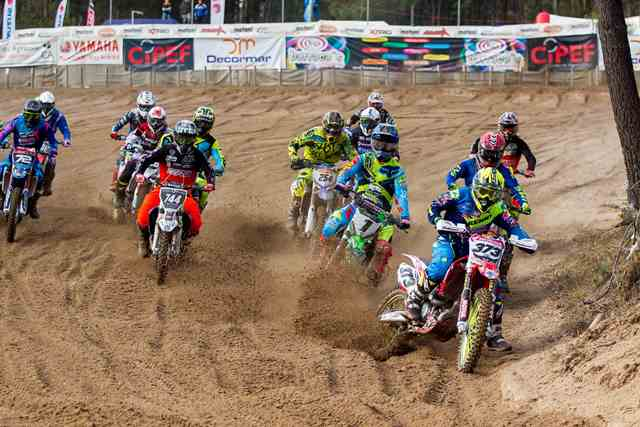 Nacional de Motocross vai a Marinha das Ondas