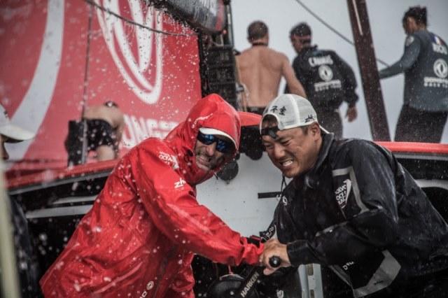Os Doldrums dão o empurrão final na frota Volvo Ocean Race
