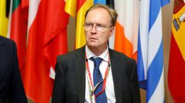 Britain's ambassador to the European Union Ivan Rogers is pictured leaving the EU Summit in Brussels, Belgium, June 28, 2016. Picture taken June 28, 2016. REUTERS/Francois Lenoir    TPX IMAGES OF THE DAY - RTX2XD47